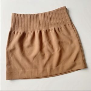 🌿DKNY Soft Tan Pleated Skirt
